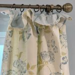 Curtain with cottage pleats